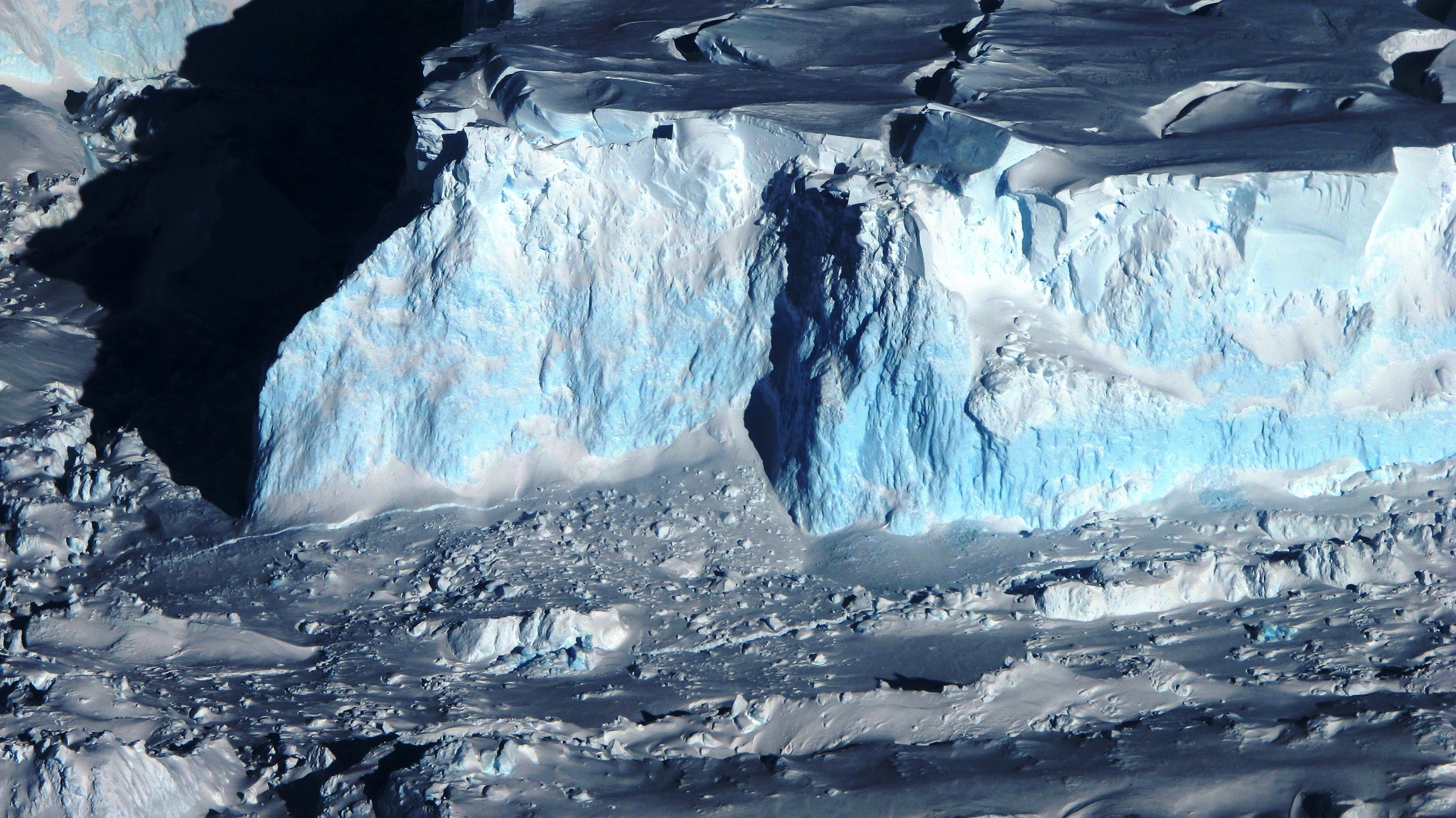 Earth Scientists Propose Giant Wall To Stop Antarctic Ice Sheet From Collapsing
