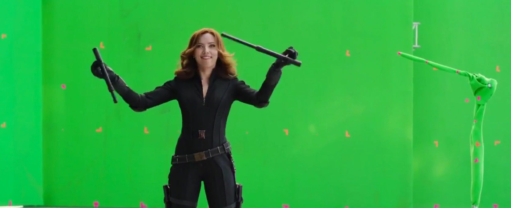 bloopers captain-america-civil-war chris-evans io9 marvel marvel-studios movies paul-bettany robert-downey-jr video