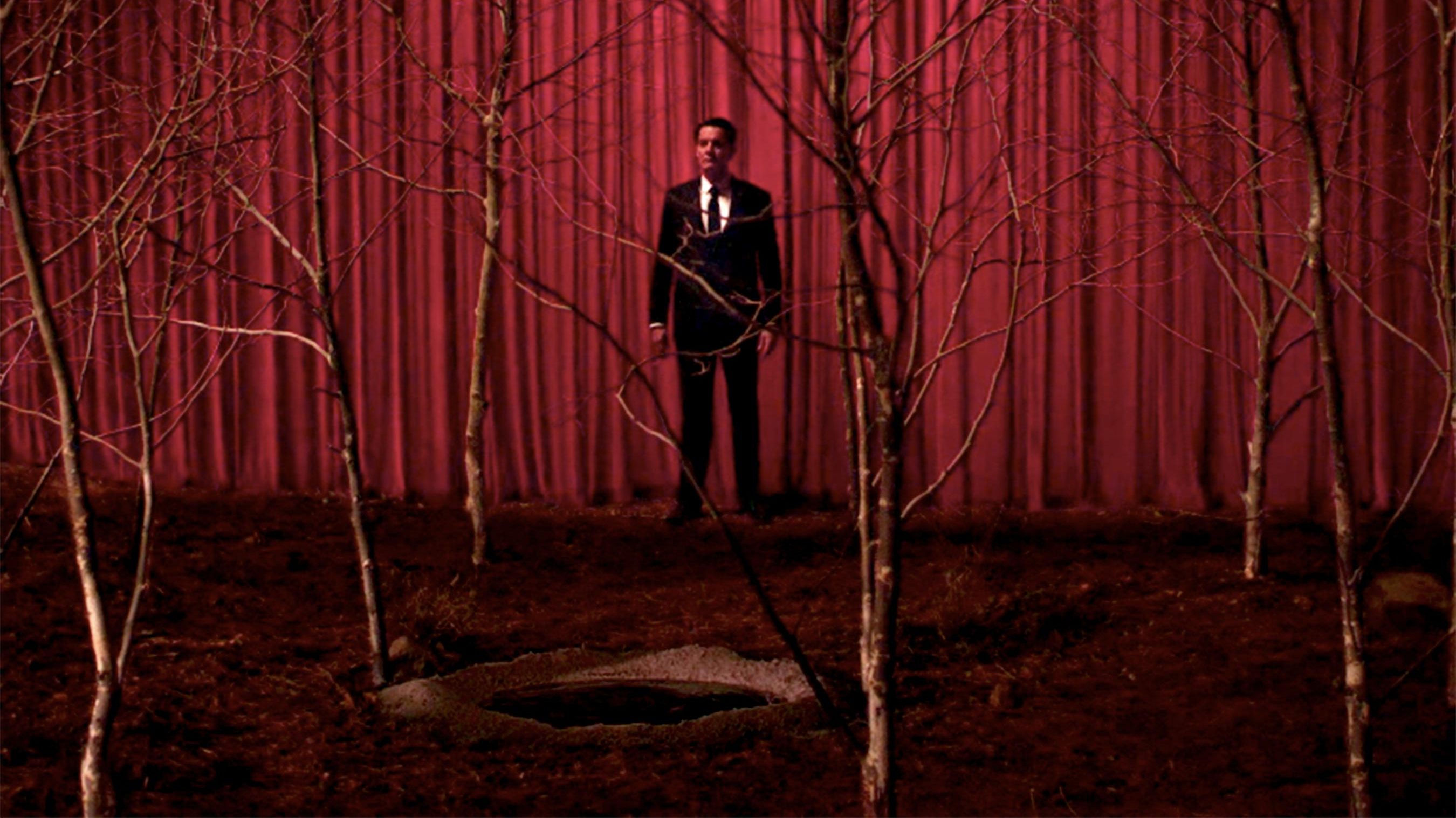 David Lynch Teases A Certain Unresolved Storyline Is 'Calling' To Him For More Twin Peaks