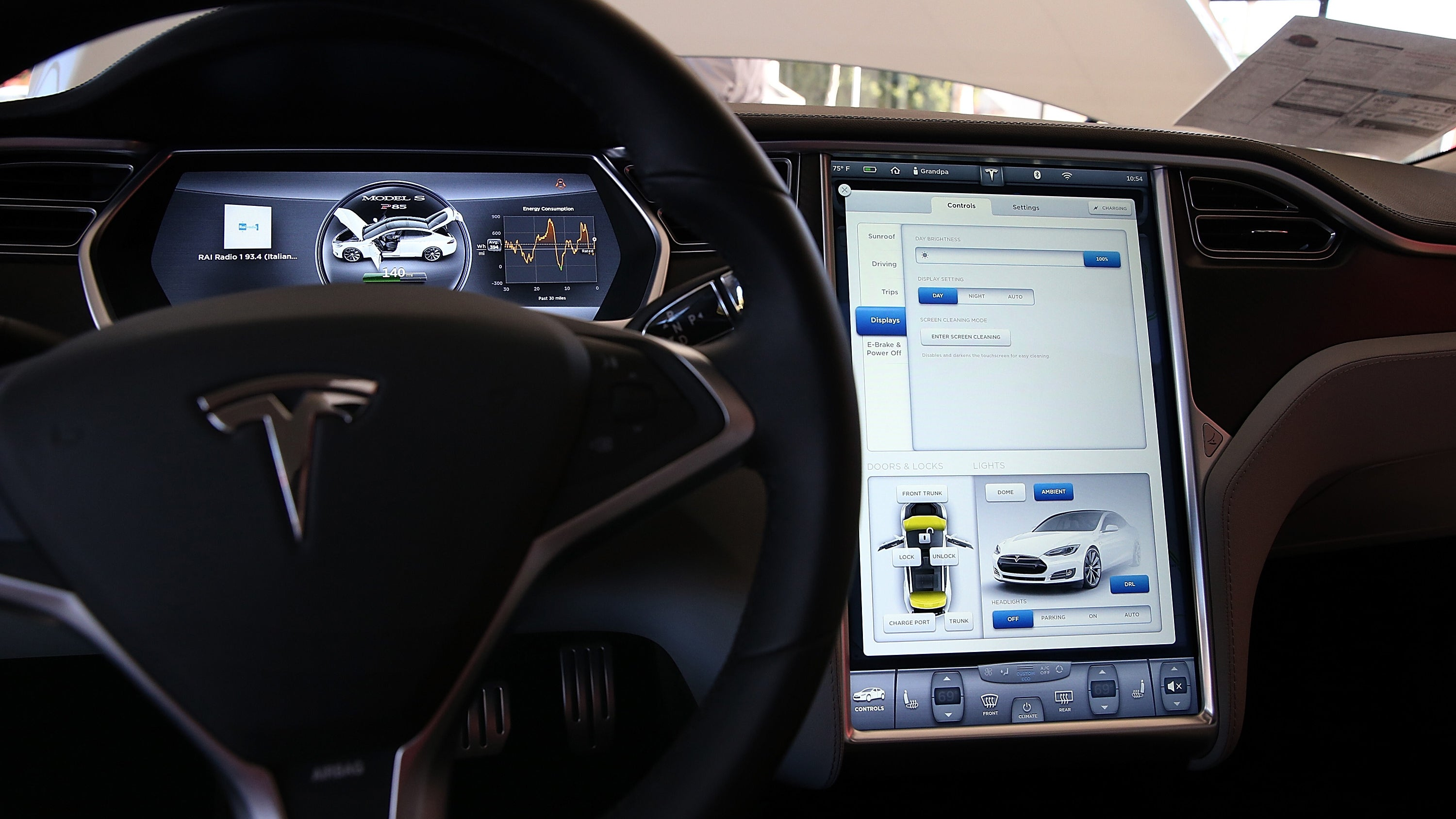autopilot self-driving-cars tesla