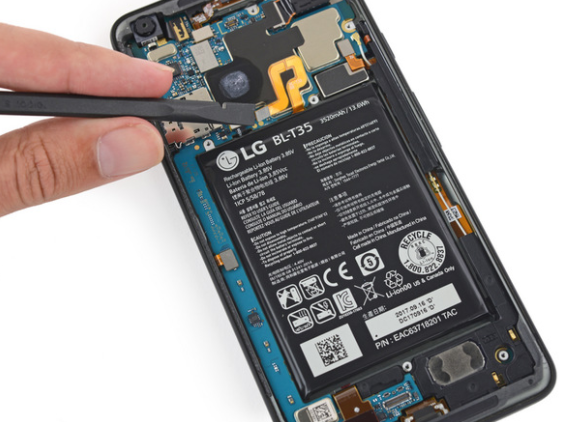 Google Made The Pixel XL 2 Even Harder To Repair Than Last Year's Model