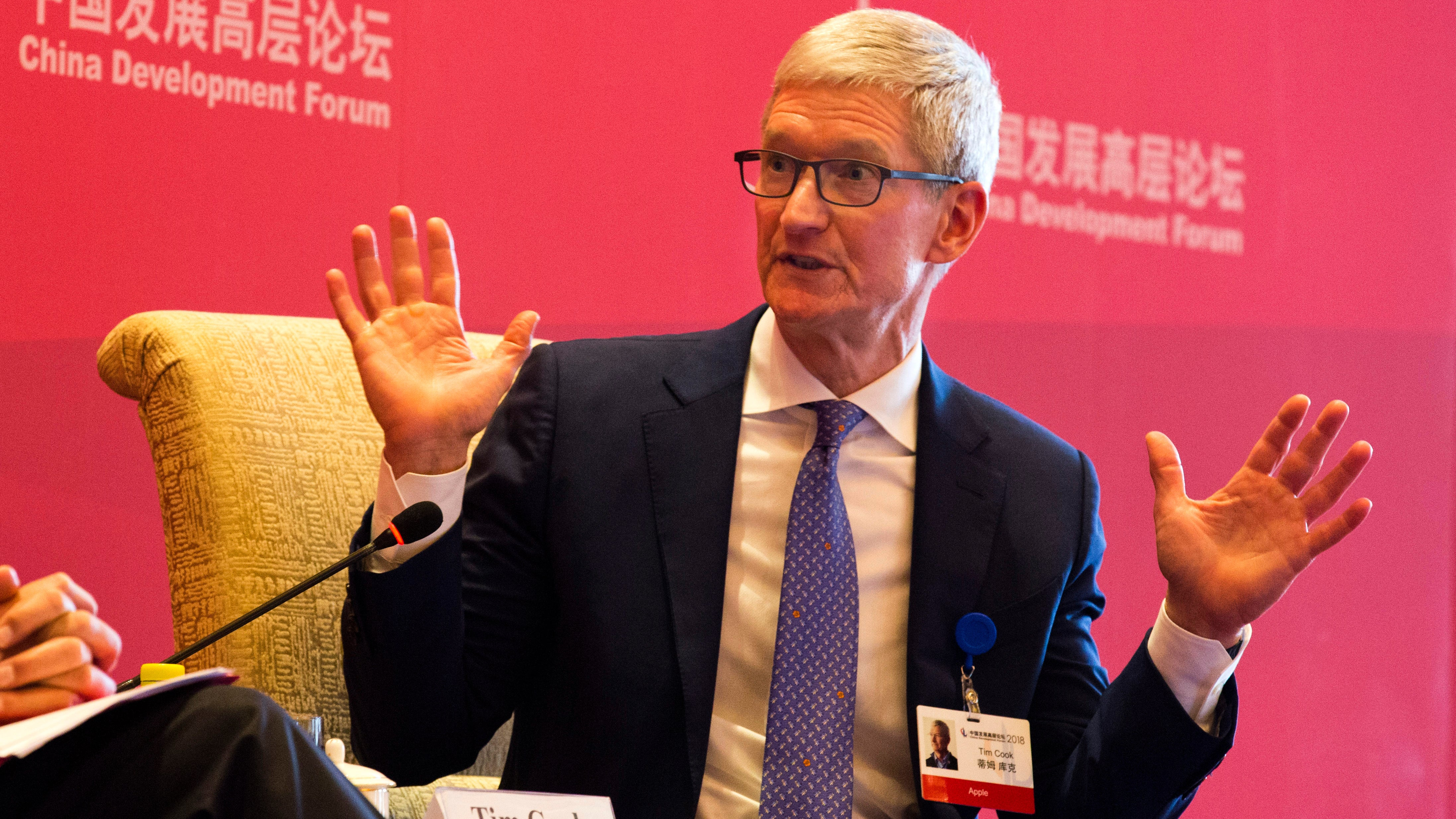Tim Cook Takes His Turn To Dunk On Facebook, Backing Data Privacy Regulations