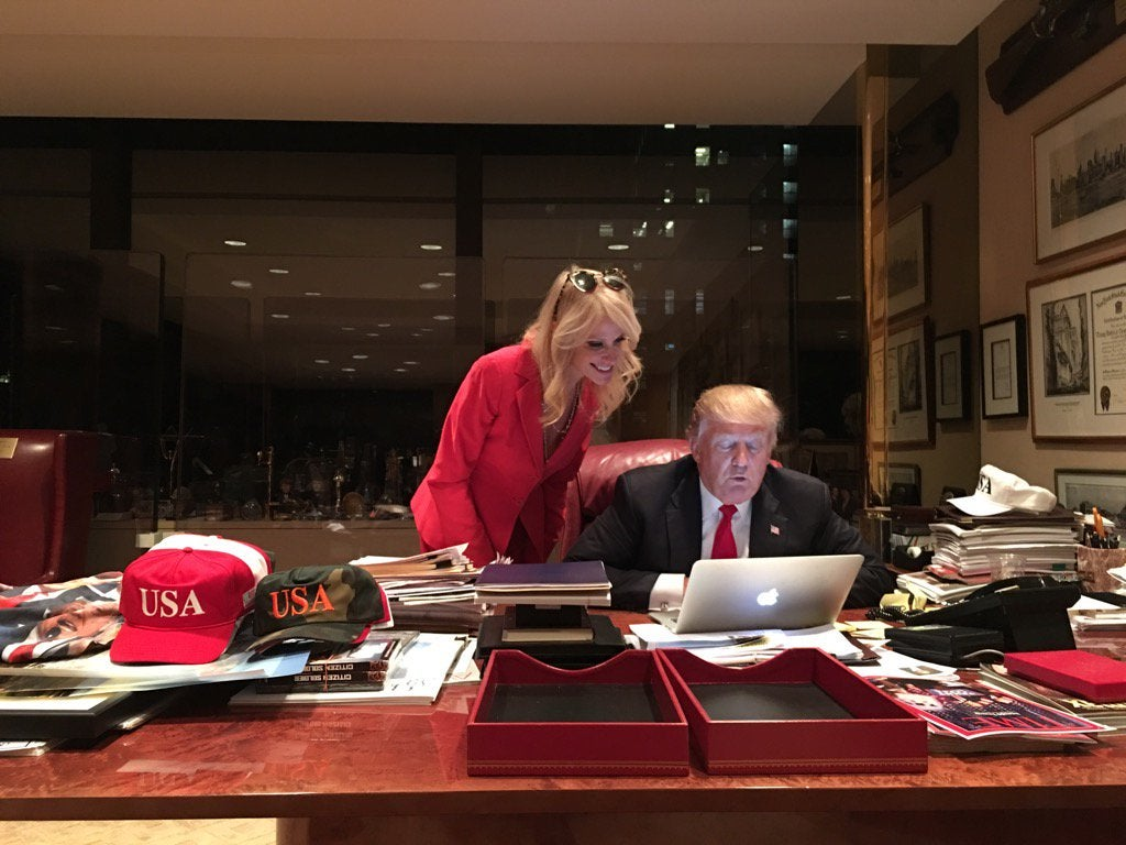 Here S A Rare Photo Of Donald Trump Using A Computer