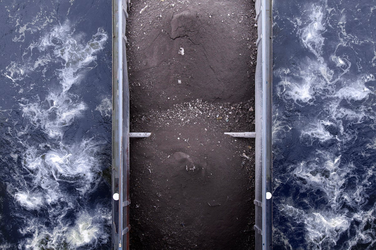 These Abstracted Views of Barges Might Give You Vertigo