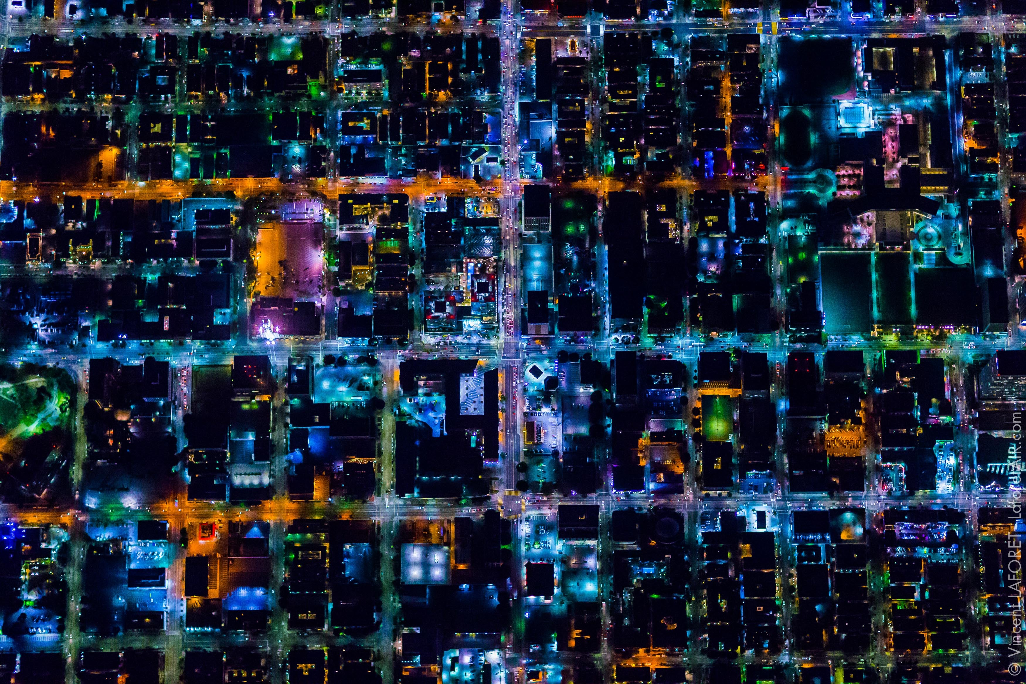 Spectacular aerial photos of Los Angeles shows it like you never seen it