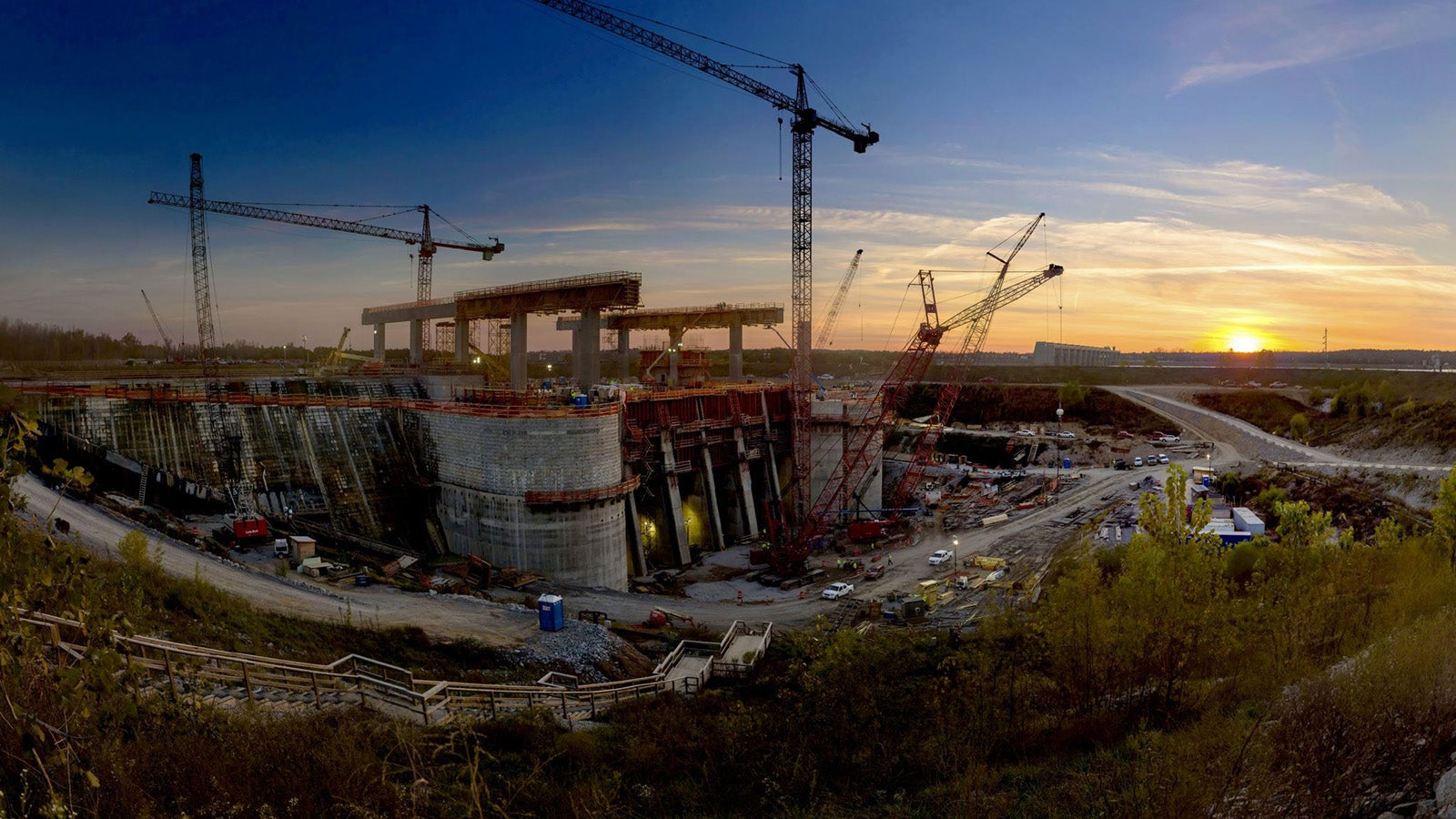 This Kentucky Hydro-Power Dam Is a Beautiful Building Site