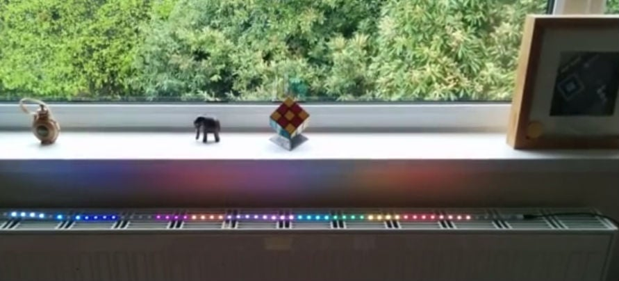 I Want This LED Light Strip That Blinks When Your Train Is Late