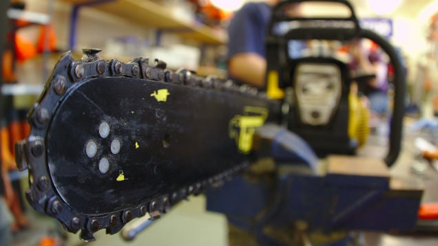 Tighten Your Chainsaw Chain to Keep It Running Safely