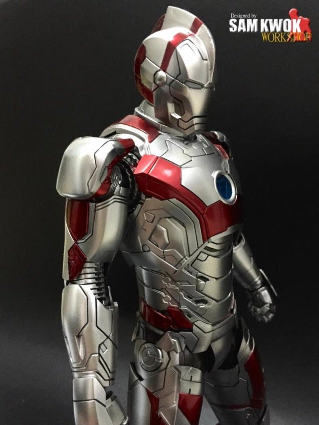 Incredible Customised Iron Man Figures