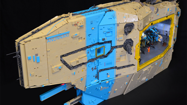 Awesome LEGO Dropship Even Has a Mecha Hangar