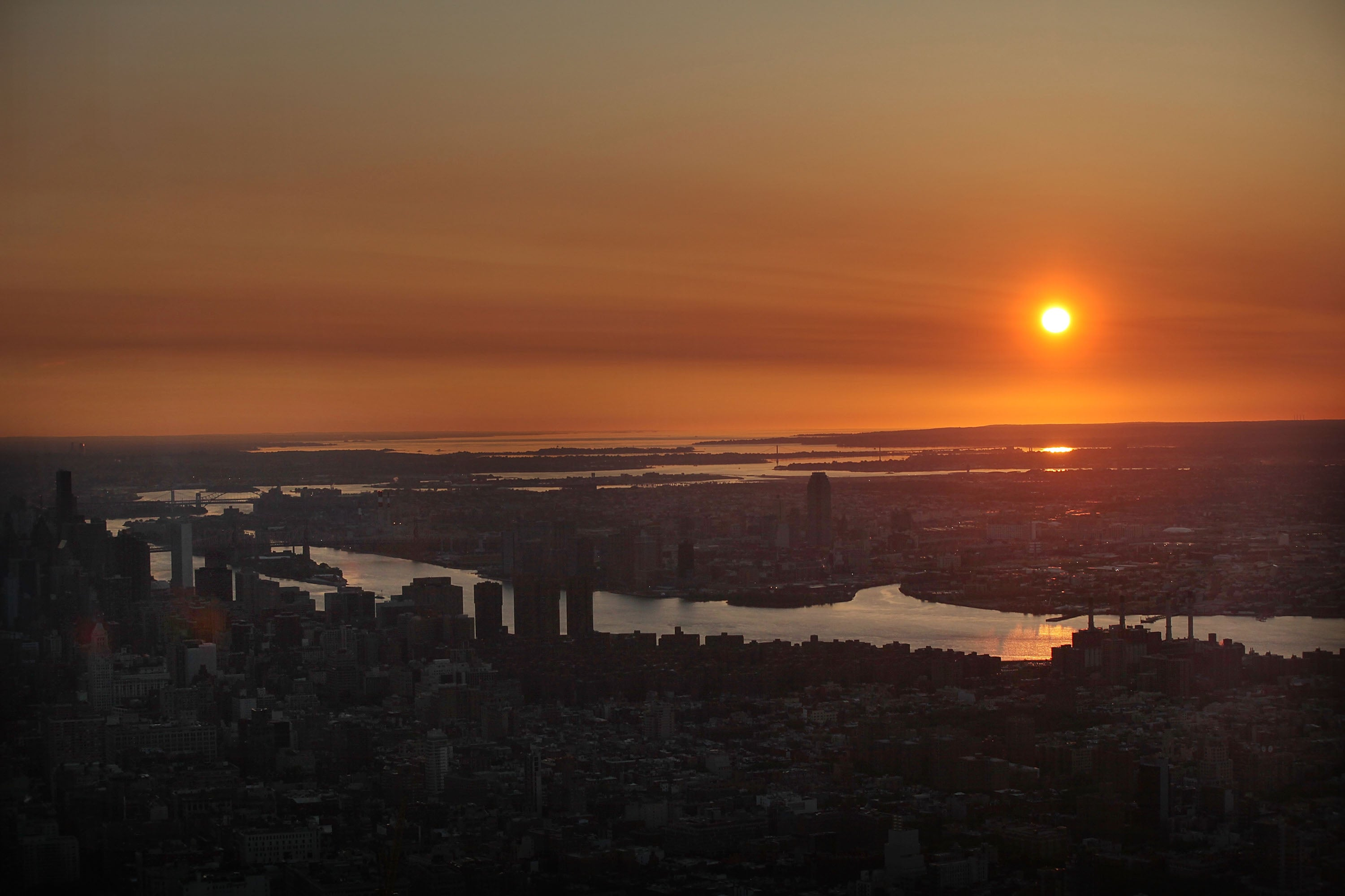 This Is What Sunrise Looks Like From the Tallest Building in America