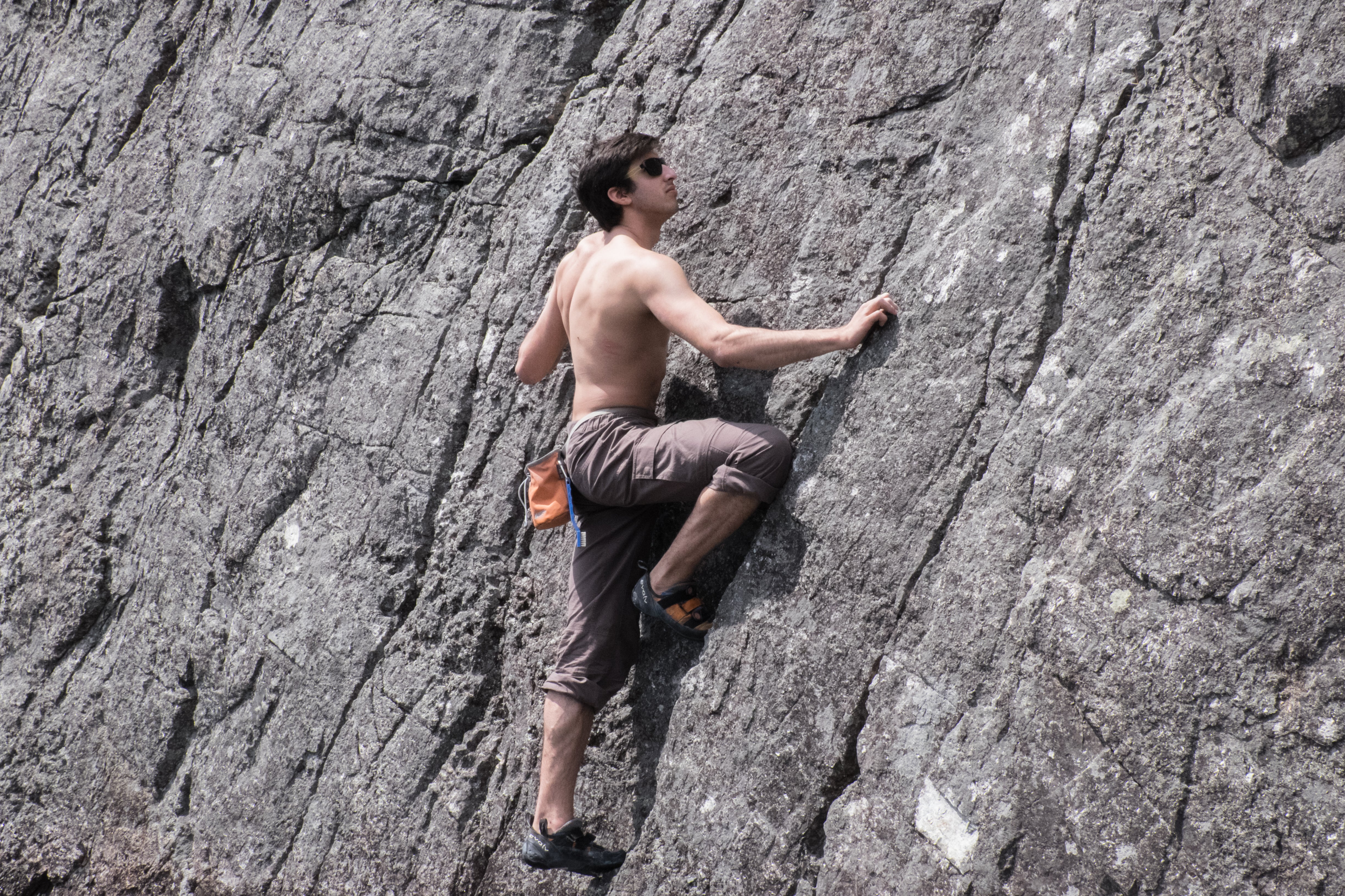 How To Climb Big Cliffs Without Ropes And Not Die