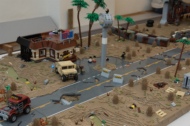 Post-Apocalyptic LEGO Landscape Is Full Of Cool Details
