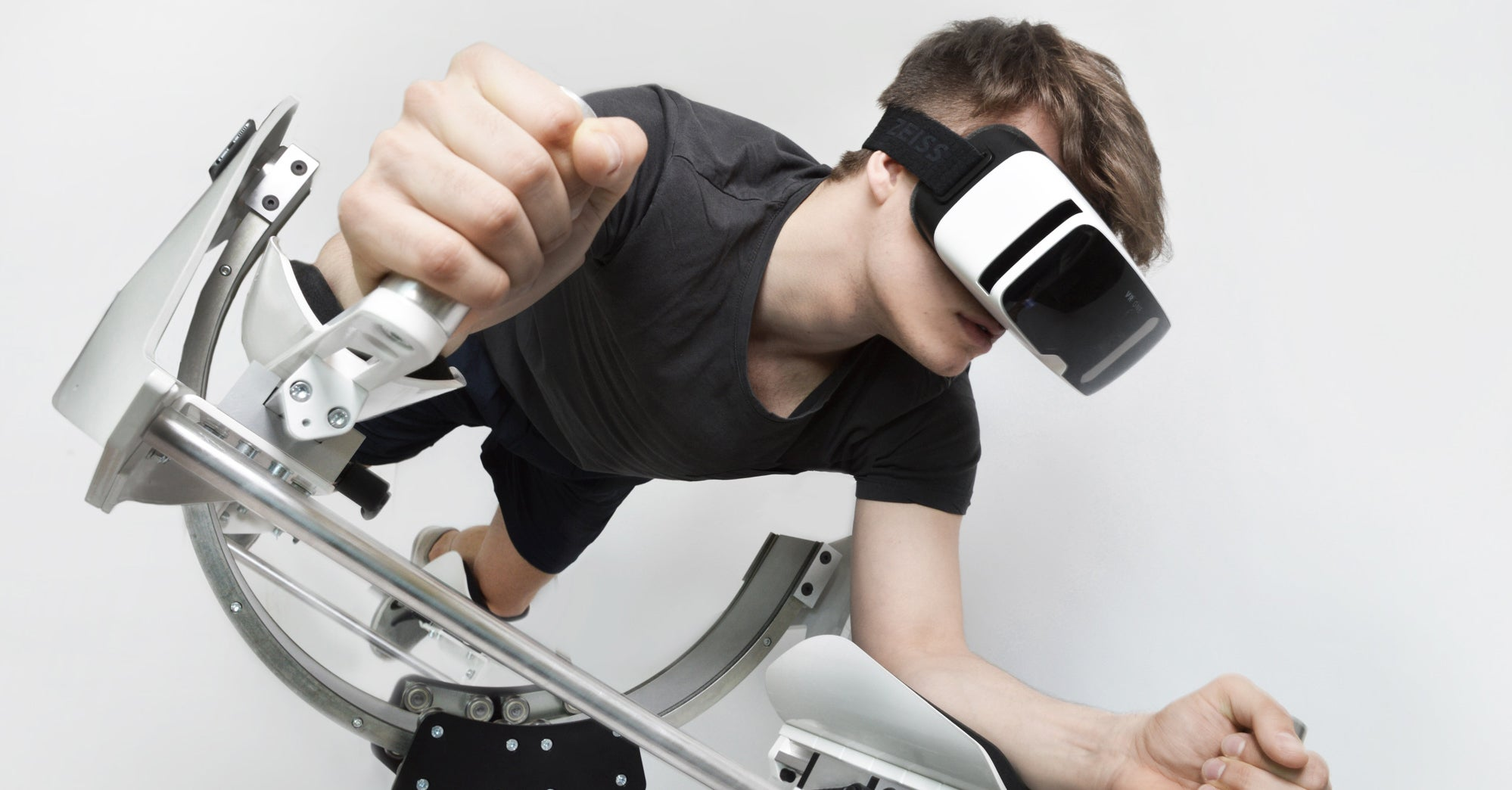 VR Workout Station Lets You Tone Your Abs While Travelling to Jupiter