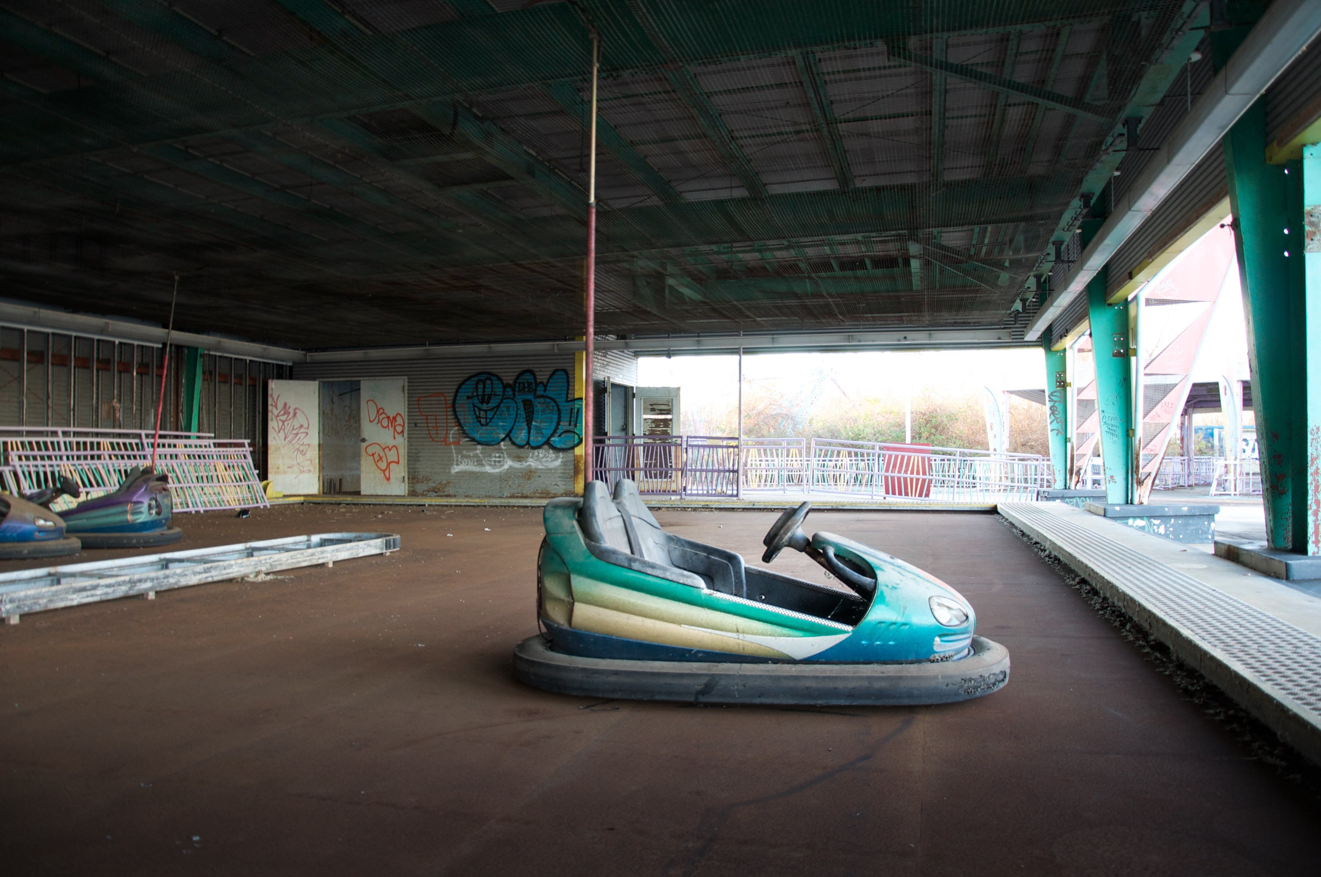 Eerie Images of America's Abandoned Amusement Parks Will Haunt You