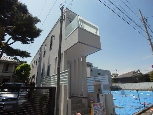 Super Skinny Japanese House Is One Long Hallway