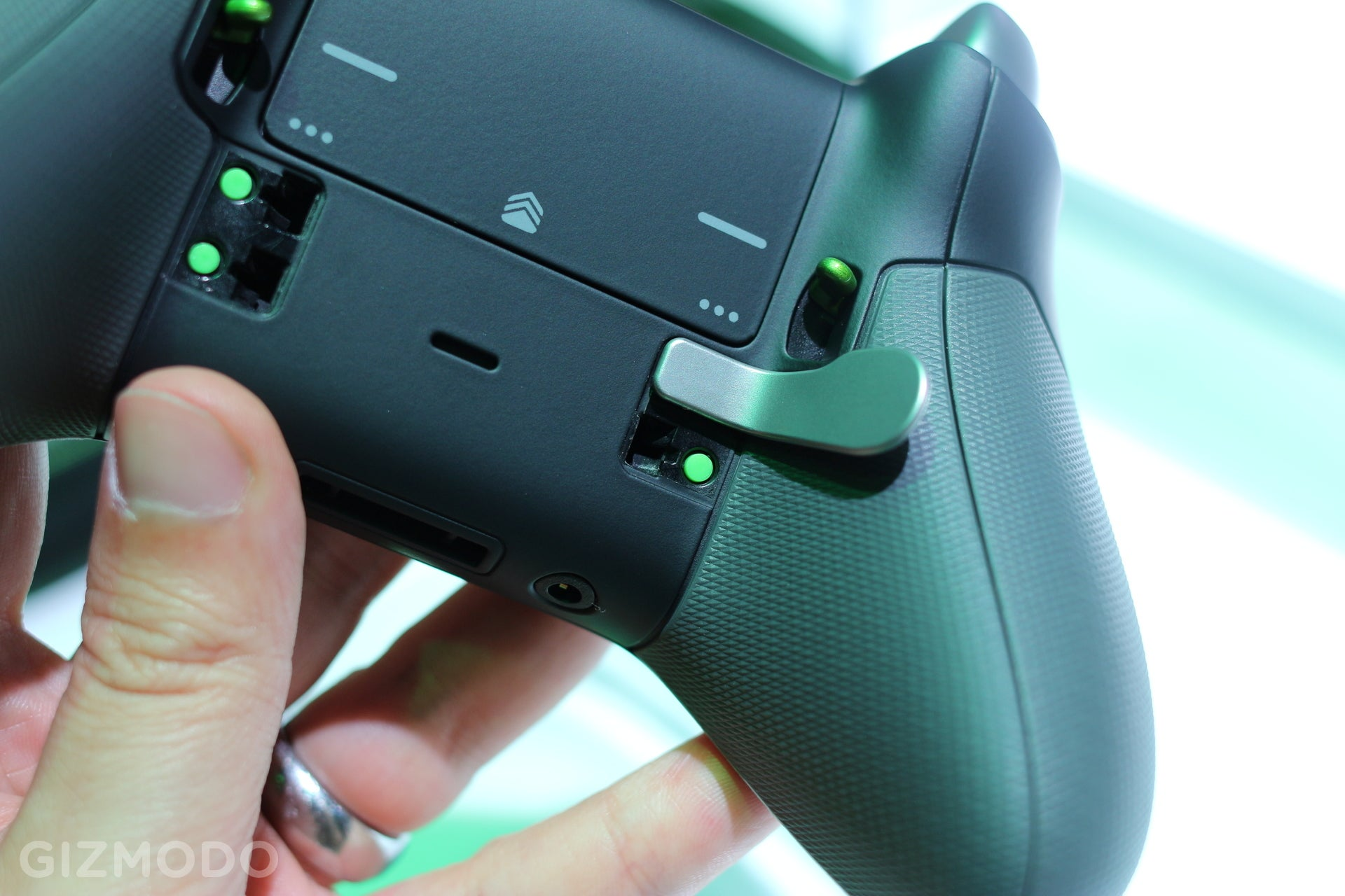 So This Is What a $US150 Xbox Controller Feels Like