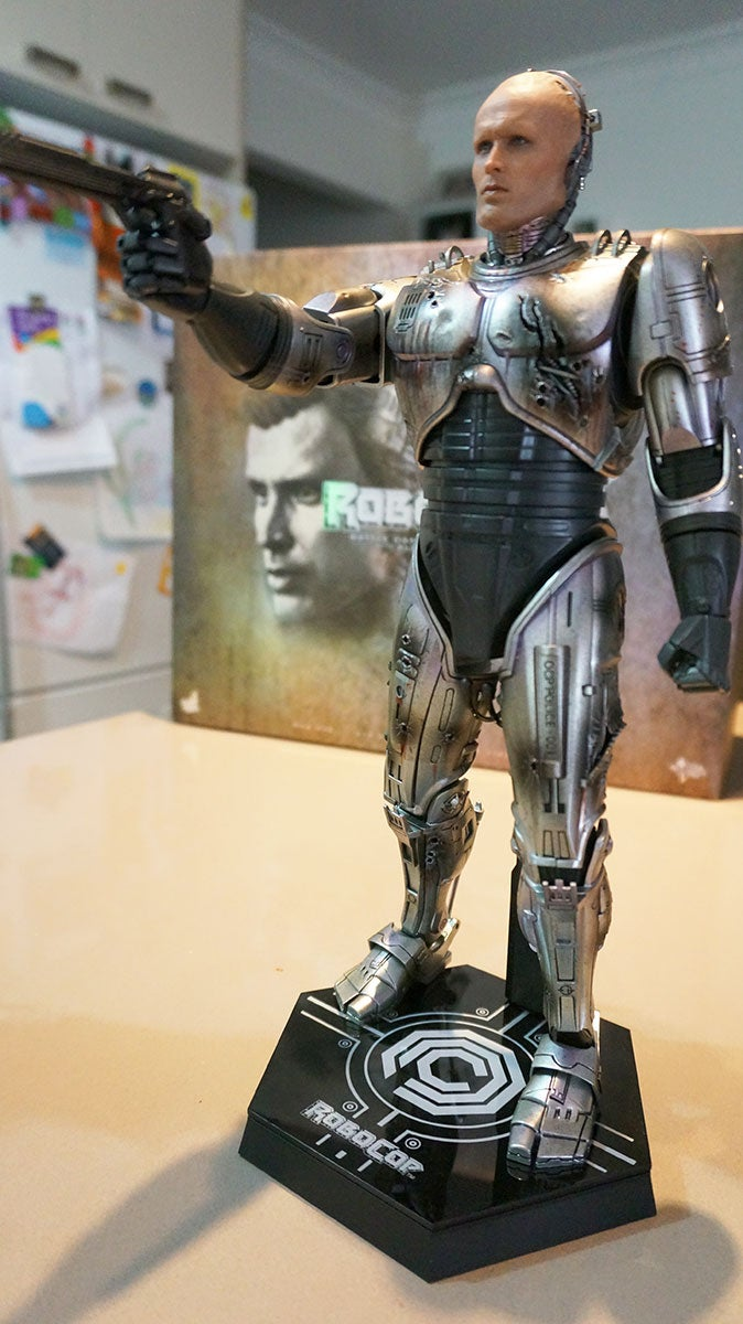 RoboCop Action Figures Look Dead And Alive