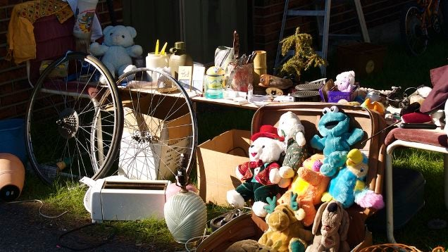 Top 10 Ways to Rock a Garage Sale (as a Seller or a Shopper)