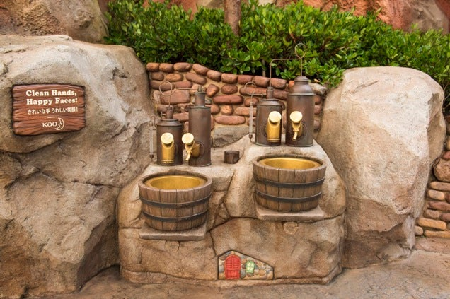 Tokyo Disney Is Officially the Best for Handwashing