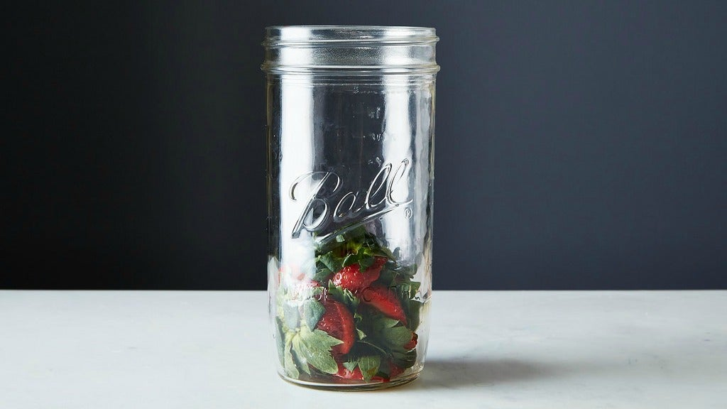 Use Strawberry Tops To Create Fruity Spa Water Instead Of Tossing Them
