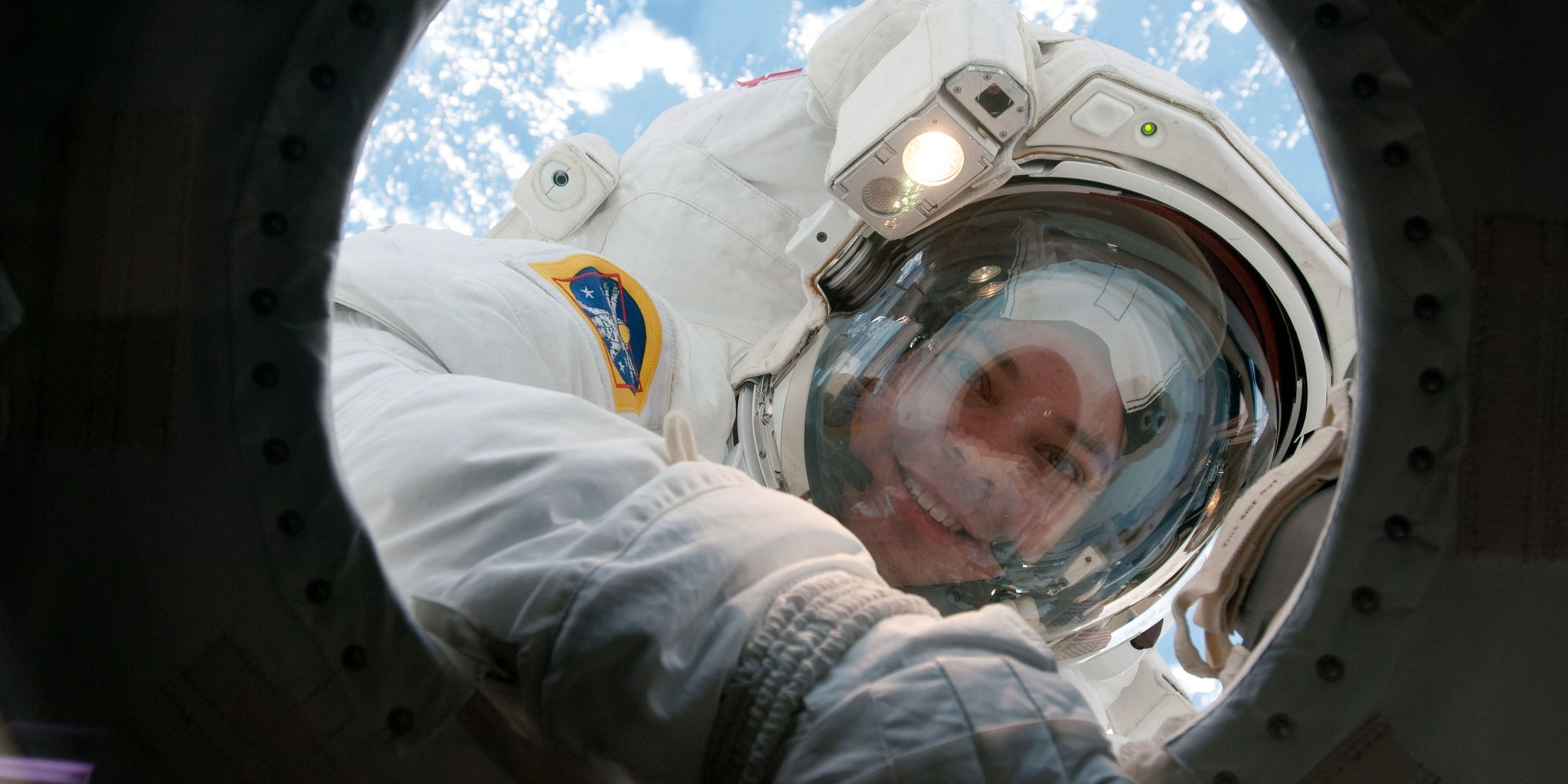 Laser Analysis Reveals That Astronauts' Skin Gets Thinner in Space