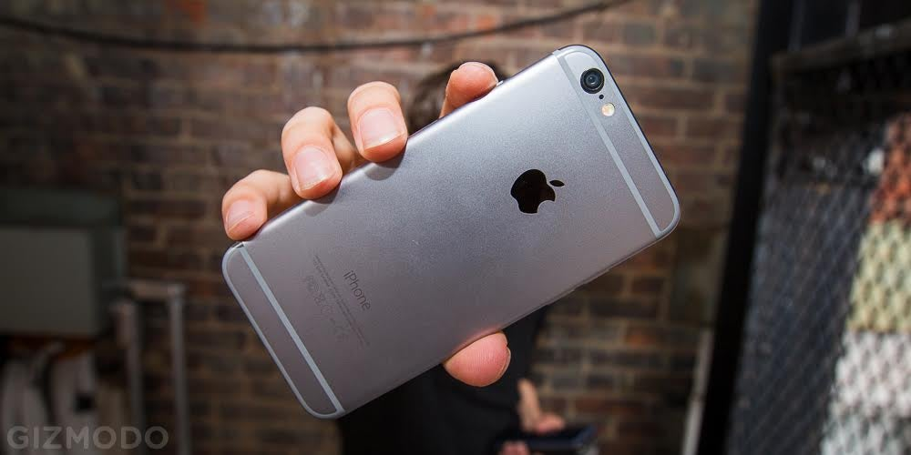 Chinese Police Shut Down a Huge Counterfeit iPhone Factory