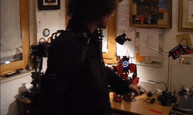 LEGO Exoskeleton Is Like A Tiny Pacific Rim
