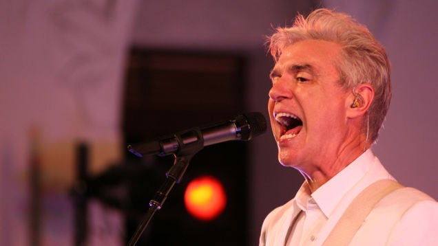 David Byrne Implores Record Labels To Stop Being Shitty About Streaming