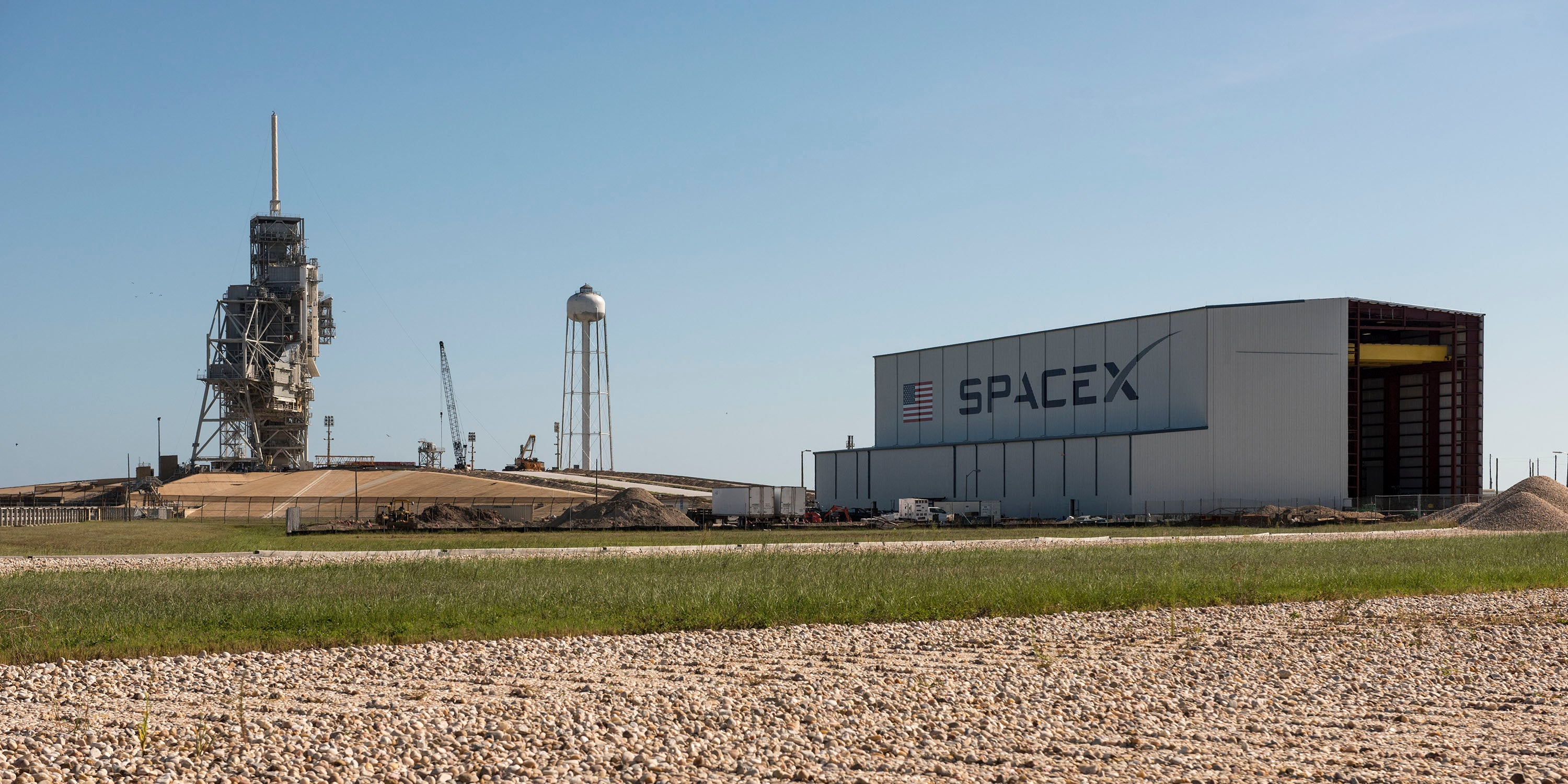 SpaceX's New Hangar Is Looking Good
