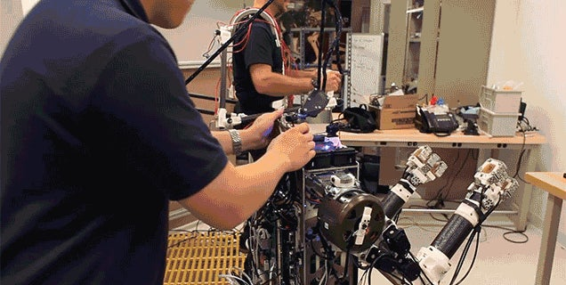 A Human Master Gives This Robot Perfect Balance and Lightning Reflexes