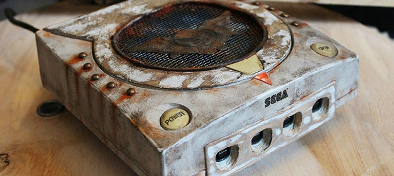Custom Dreamcast Is A Tribute To One Of Its Most Iconic Games