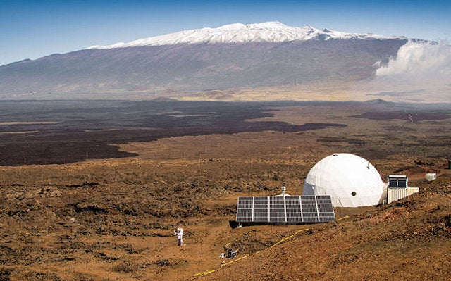 NASA Just Sealed Six People In a Dome For a Year to Practice Mars