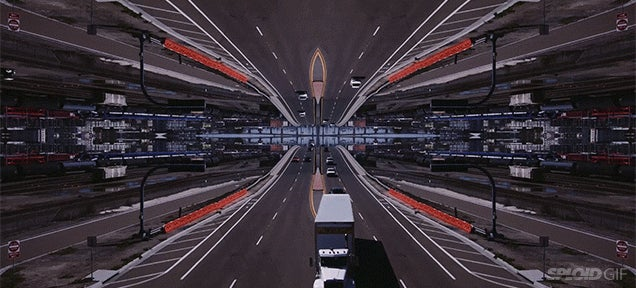 Video: This completely mirrored world is so trippy to see