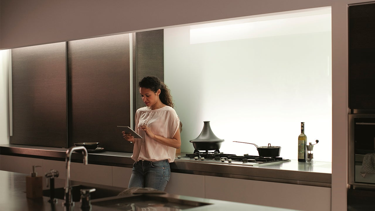 Philips' Smartphone-Controlled Lightstrips Now Do Natural White Light