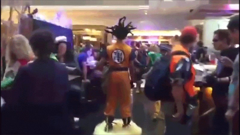 Dragon Ball Cosplay Comes Complete With Goku's Flying Nimbus