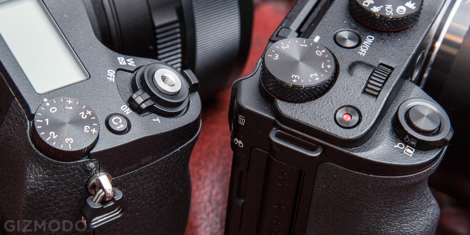 Battle of the Superzooms: Canon G3X vs. Sony RX10 Mark II