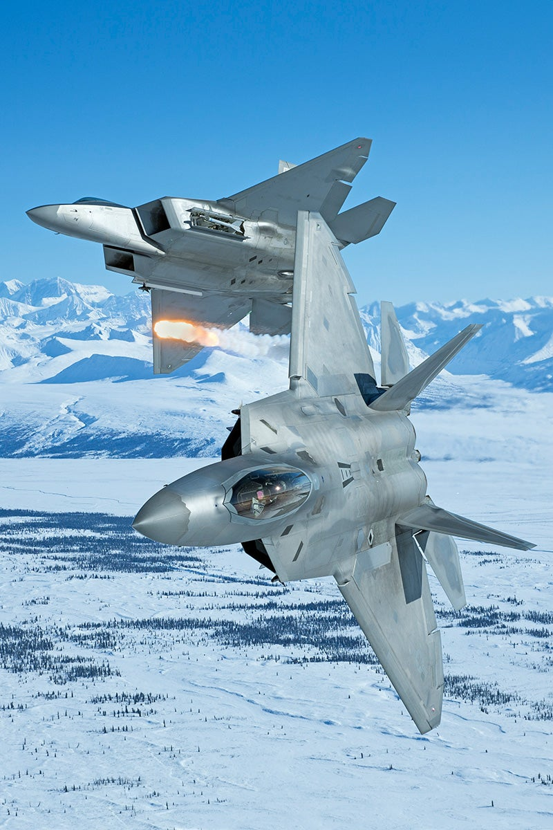 These Photos Of F 22 Arctic Raptors In Alaska Are So Striking They