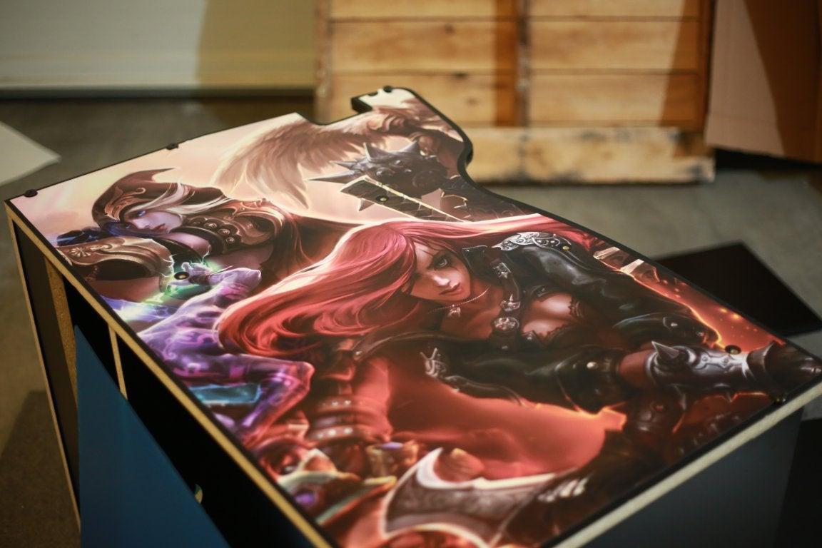 League Of Legends Arcade Cabinet Is A Brilliant Idea