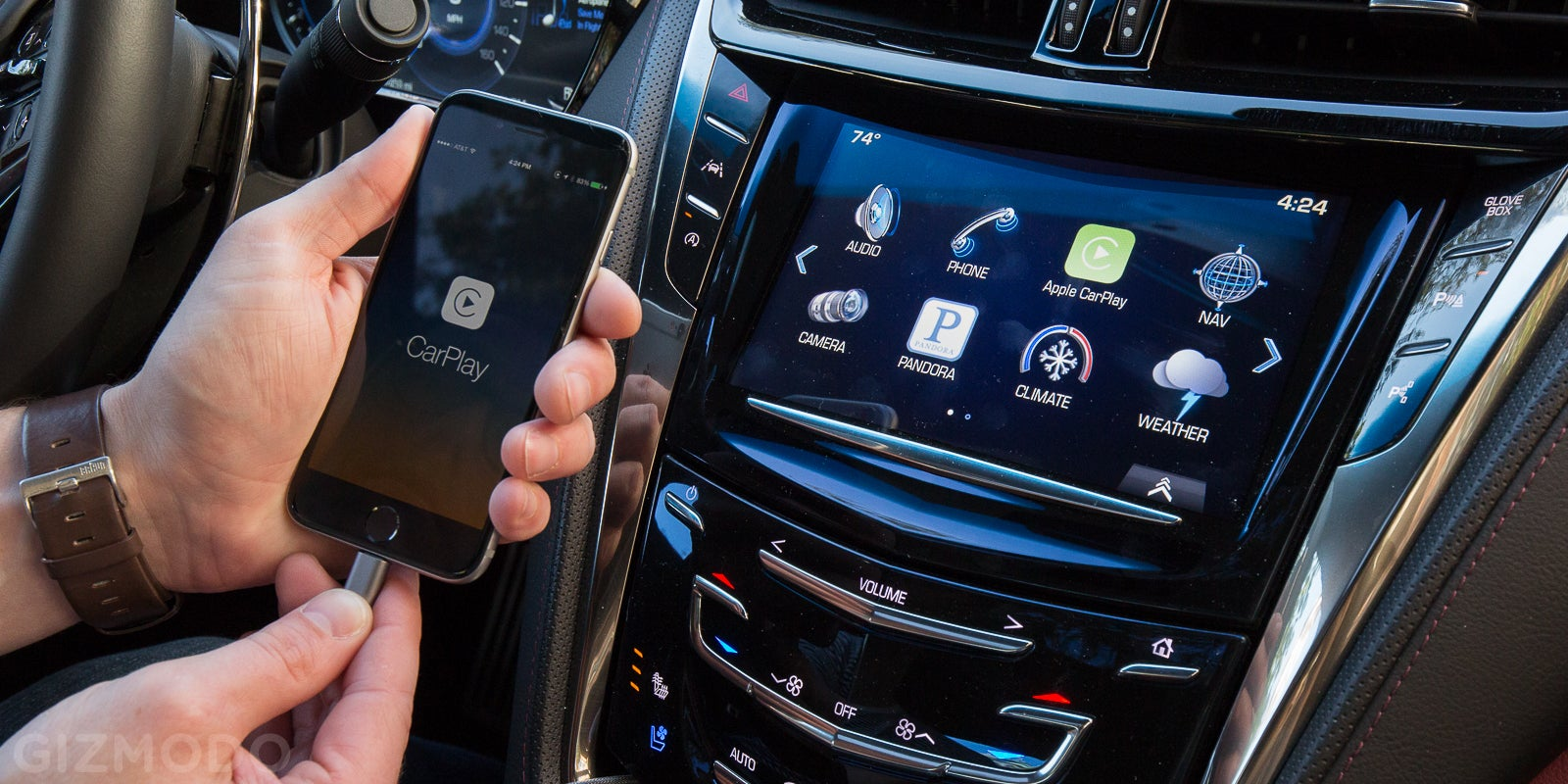 Apple CarPlay Review: Siri's a Boring But Useful Travel Pal