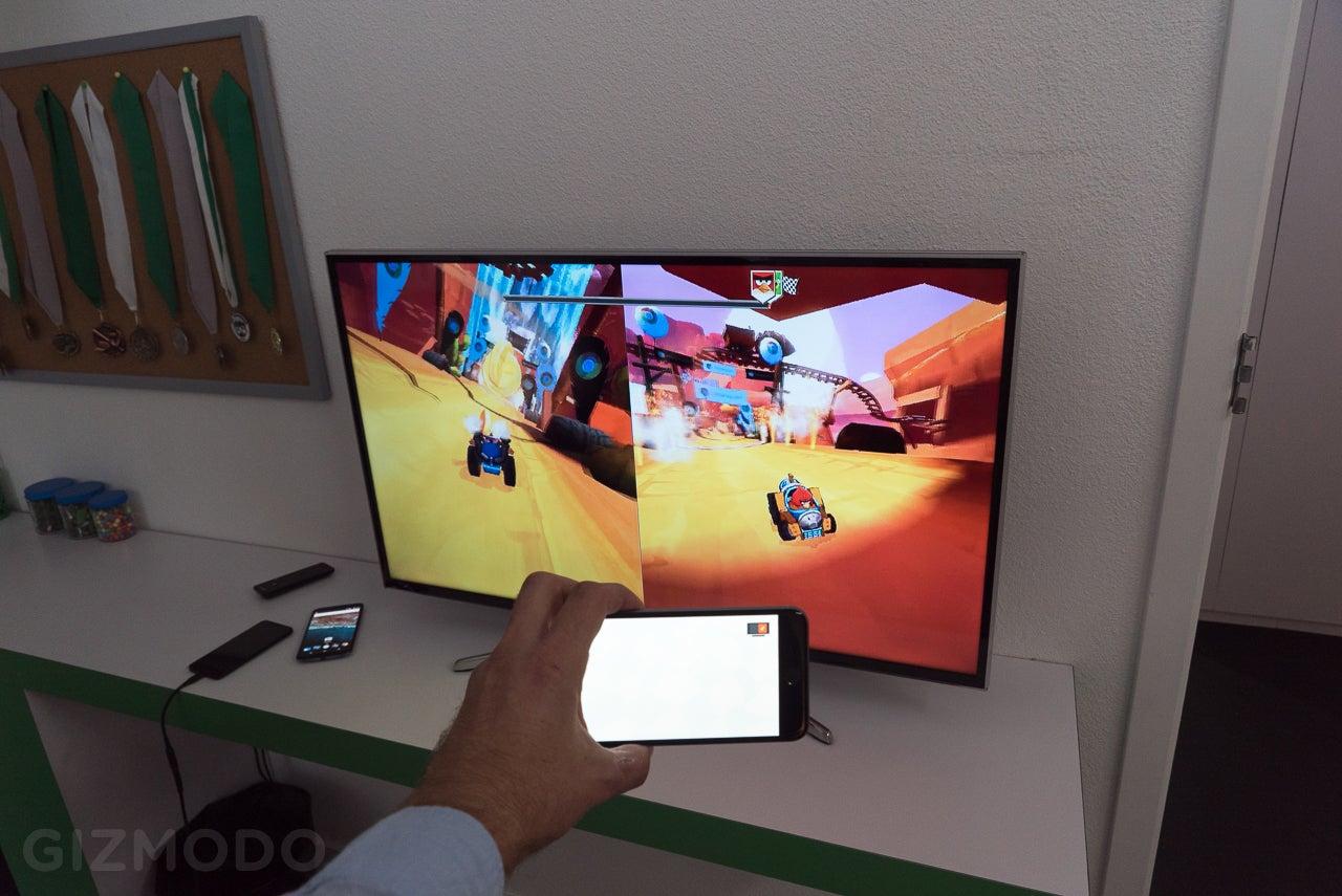 Chromecast and Chromecast Audio Hands-On: Damn, These Seem Promising