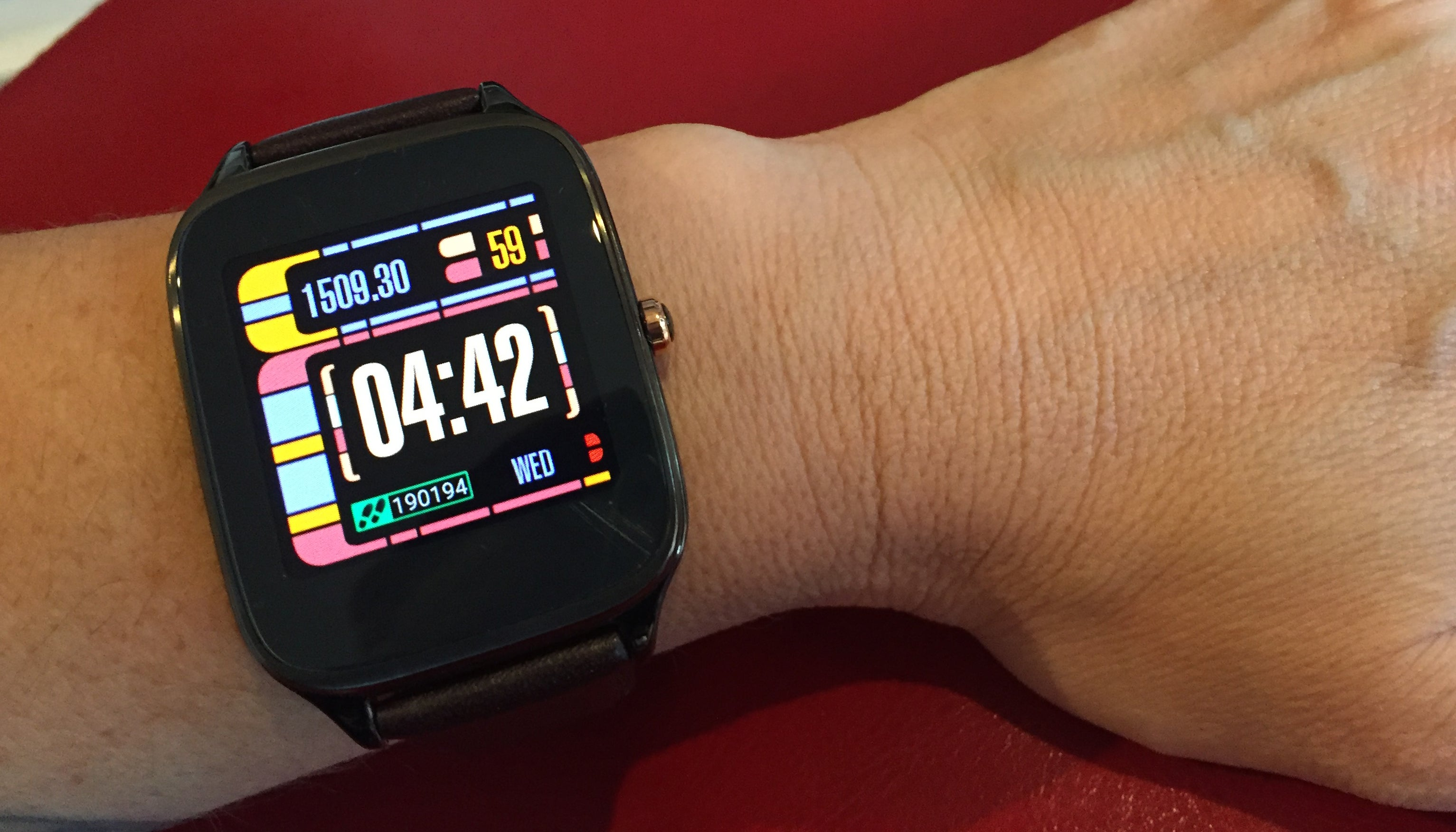 ZenWatch 2 Review: A Cheap Way to Get Started With Smartwatches