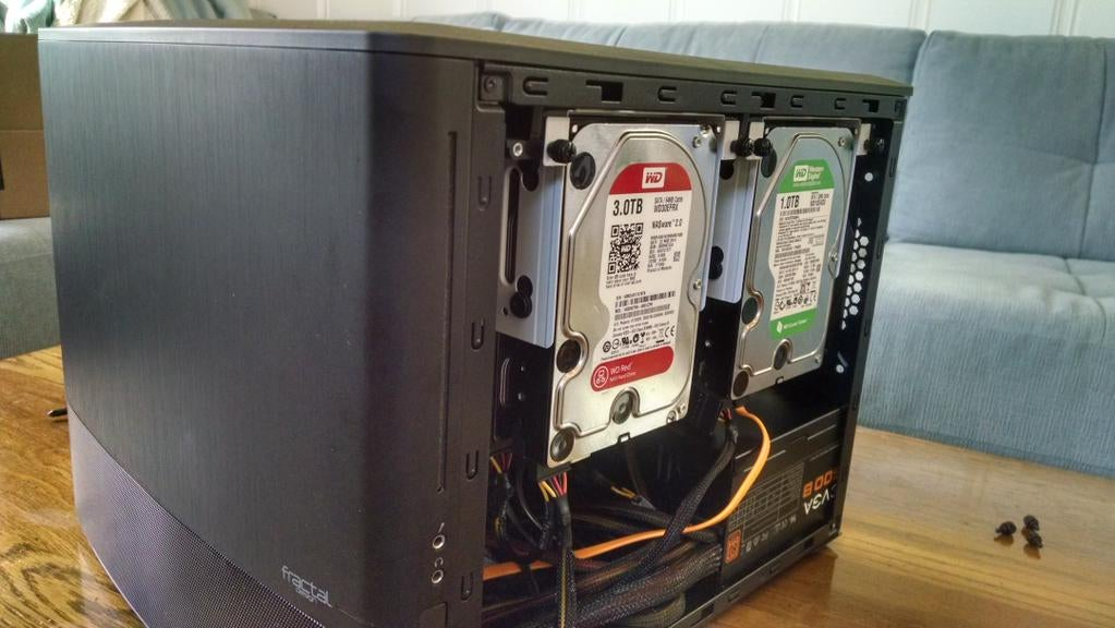 The Fractal Design Node 804 Is an Awesome Case for Your DIY Home Server