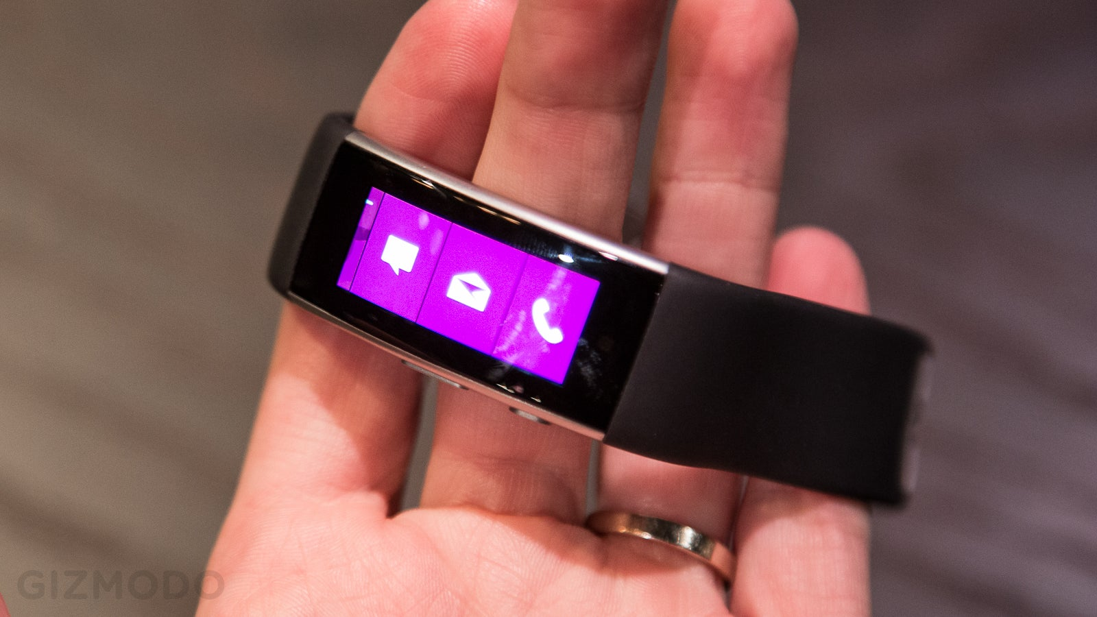 A Closer Look at the Microsoft Band 2: Definitely More Wearable, But Not Without Problems