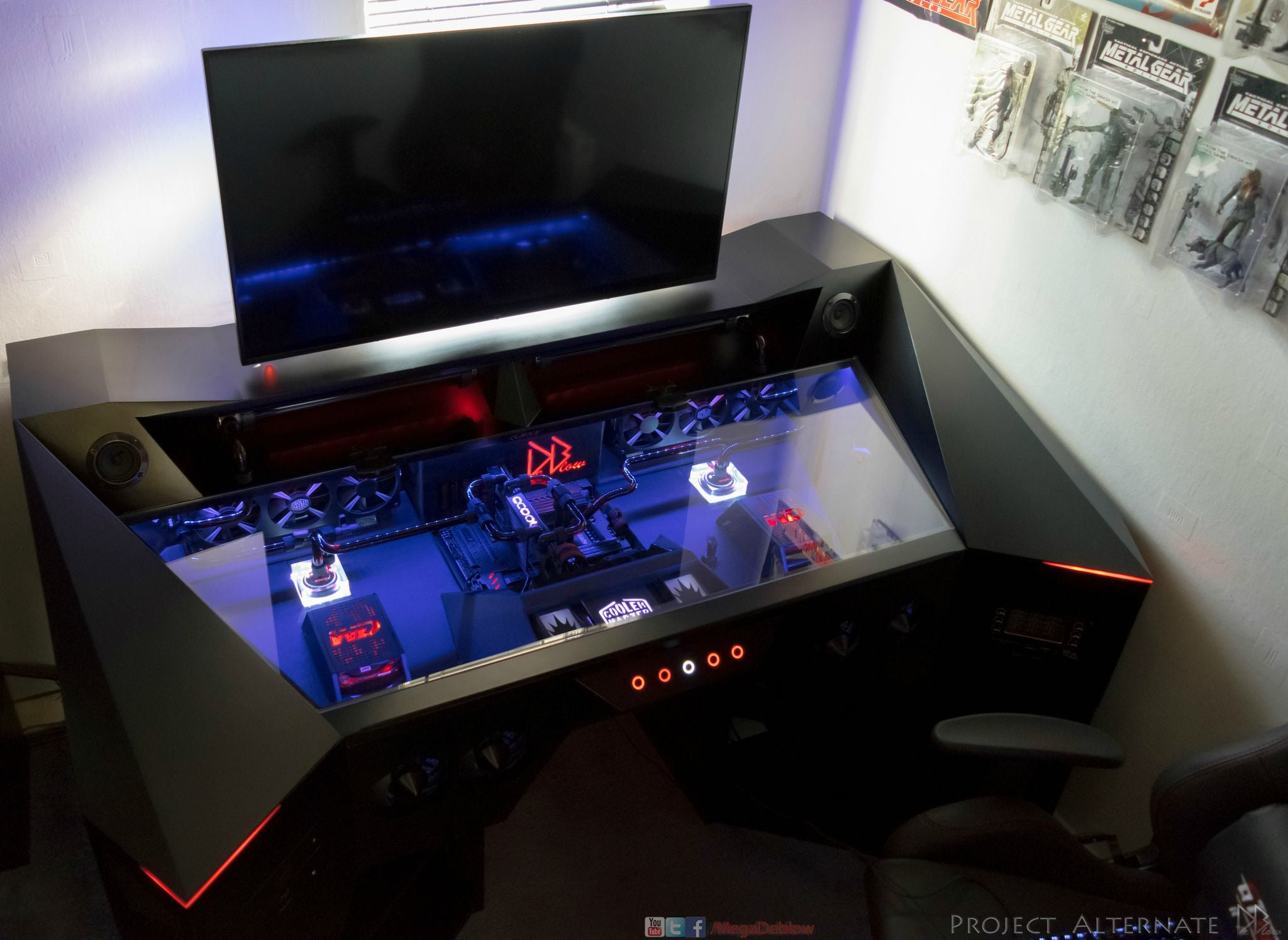 $US6800 PC Looks Like A Future Killing Machine
