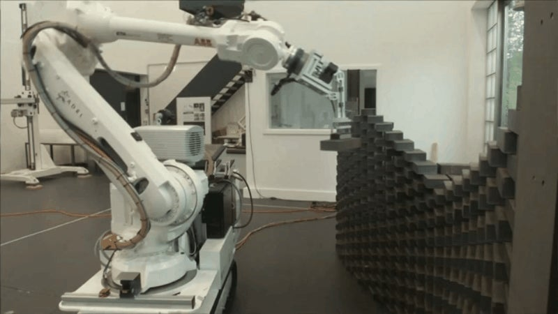 All Sorts of Buildings Could Be Made with This Brick-Laying Robot