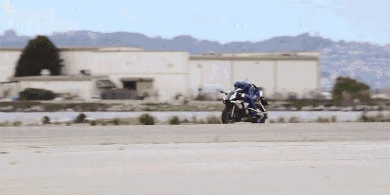 Yamaha's Robotic Biker Looks Like a Crime-Fighting Cyborg