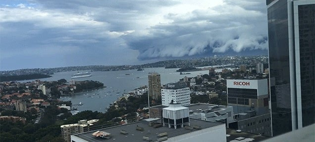 This wall of clouds creeping over a city is so ominous
