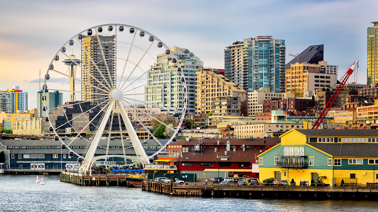 Dumbass Crashes Drone Into Seattle's Great Wheel