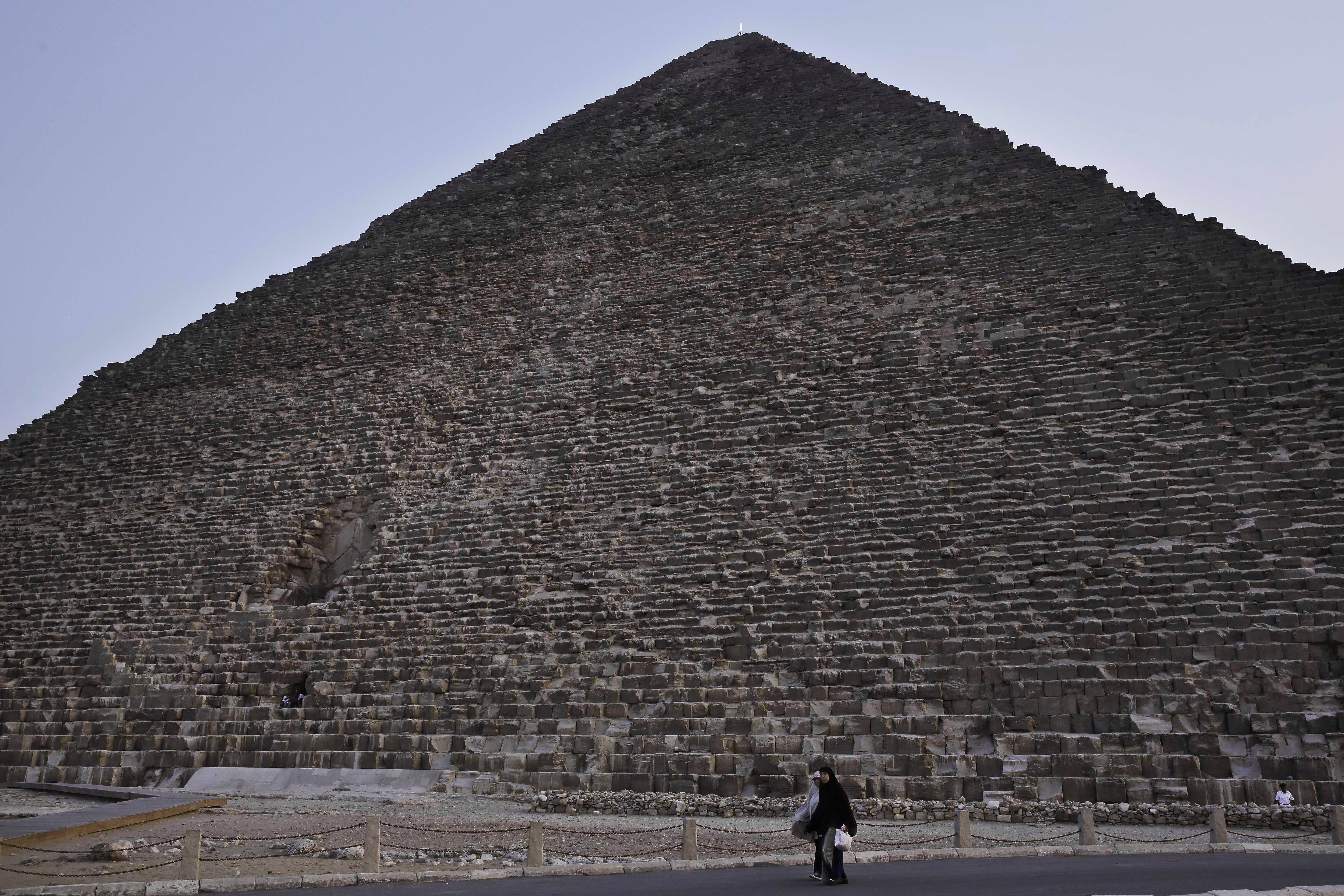 There Are Strange Hot Spots On Giza's Great Pyramid, And No One's Quite Sure Why